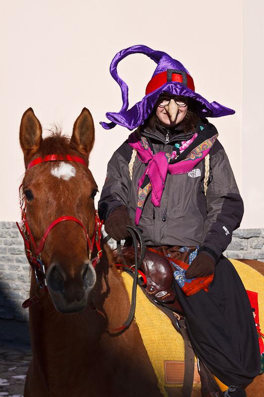 la Befana arriva a Cavallo...anzi in Sulky !