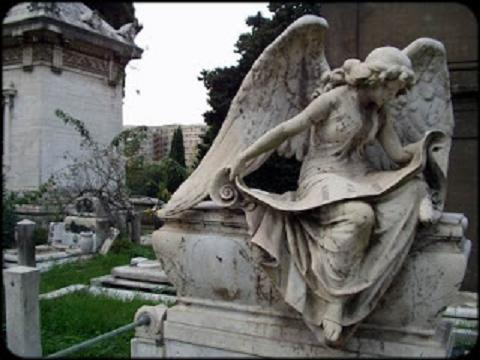 Il Cimitero del Verano: amore, morte e poesia - Visita guidata Roma