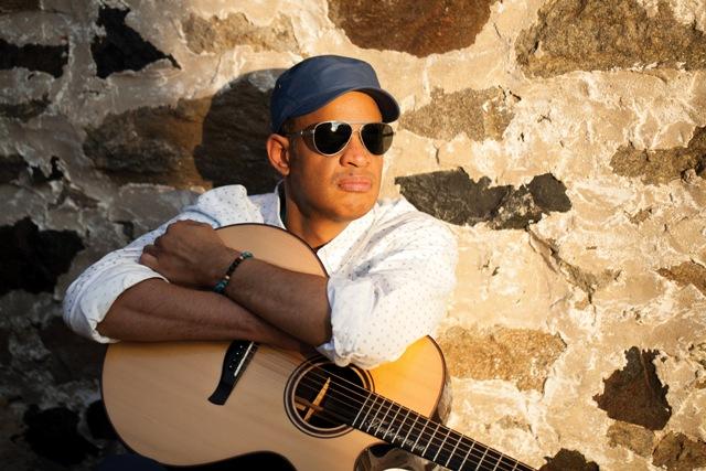 Raul Midón, il chitarrista USA che piace a Hancock e Snoop Dogg
