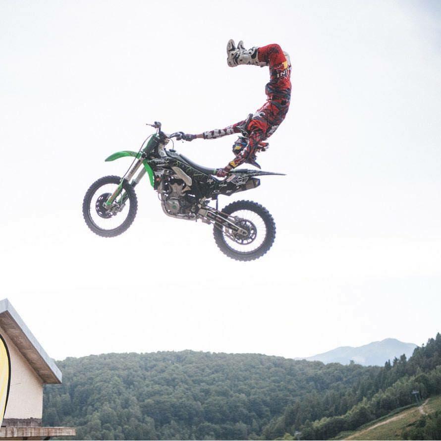 Mototerapia e Show di Freestyle Motocross